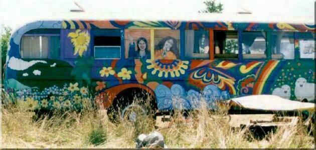 http://elwood1.free.fr/Photos/Woodstock/bus2.jpg
